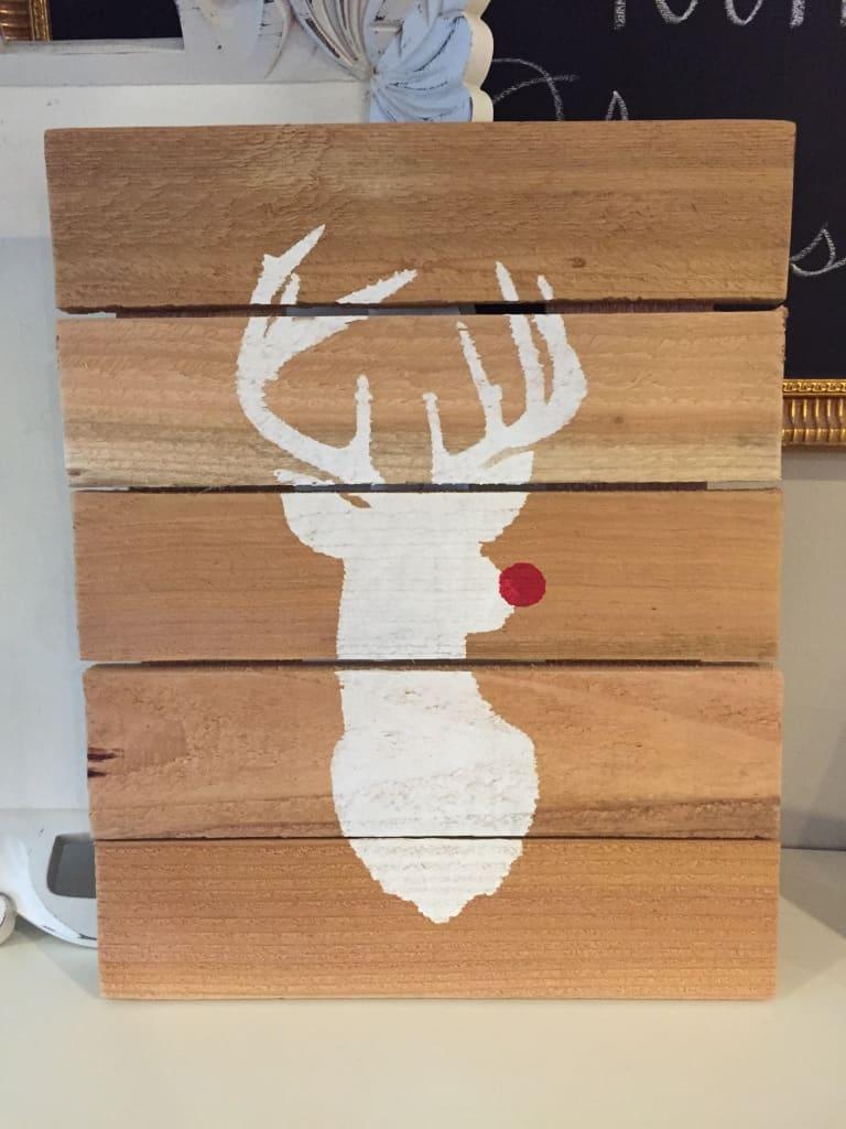 reindeer pallet art