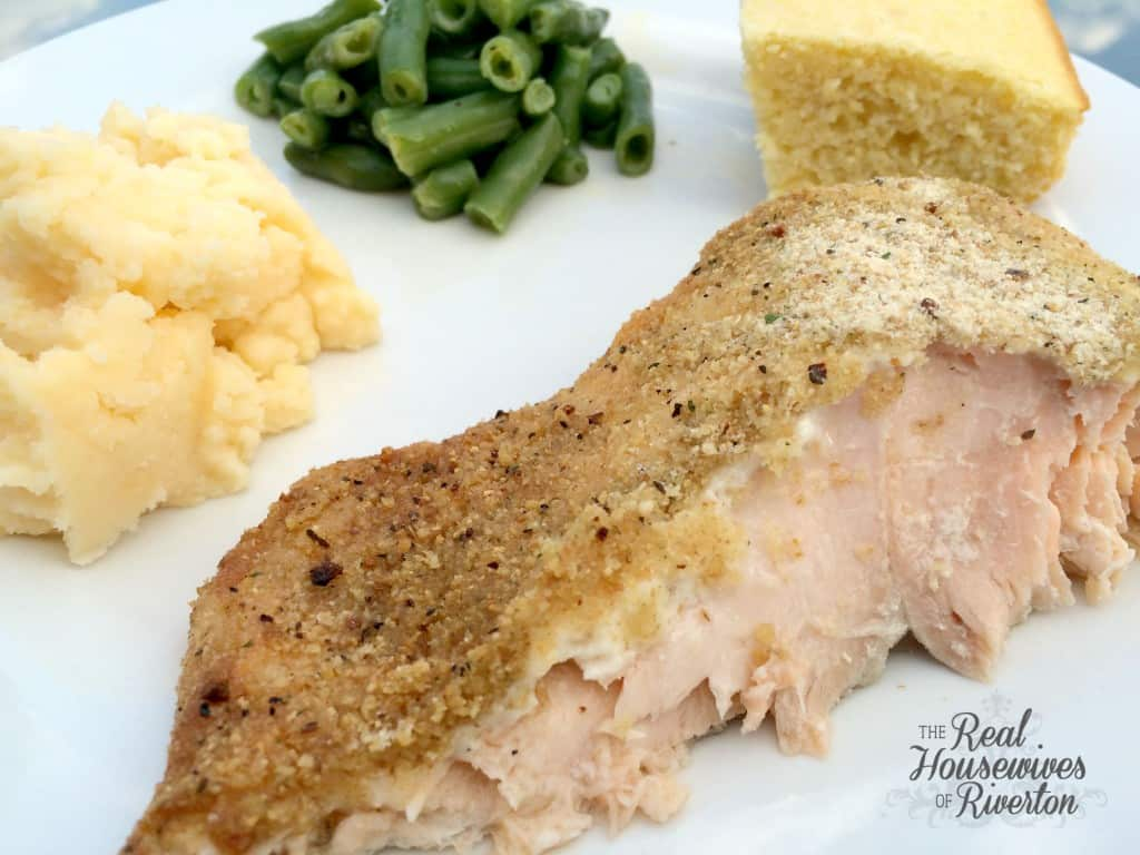 Parmesan Salmon is a great way to change up how you cook fish! | www.housewivesofriverton.com