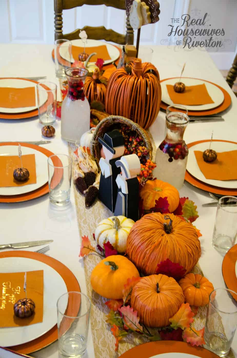 Thanksgiving Table Decor Housewives Style - Fakesgiving ...