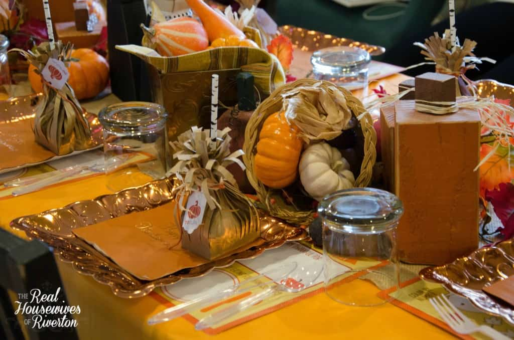 Kid 39 S Thanksgiving Table Decor Housewives Style