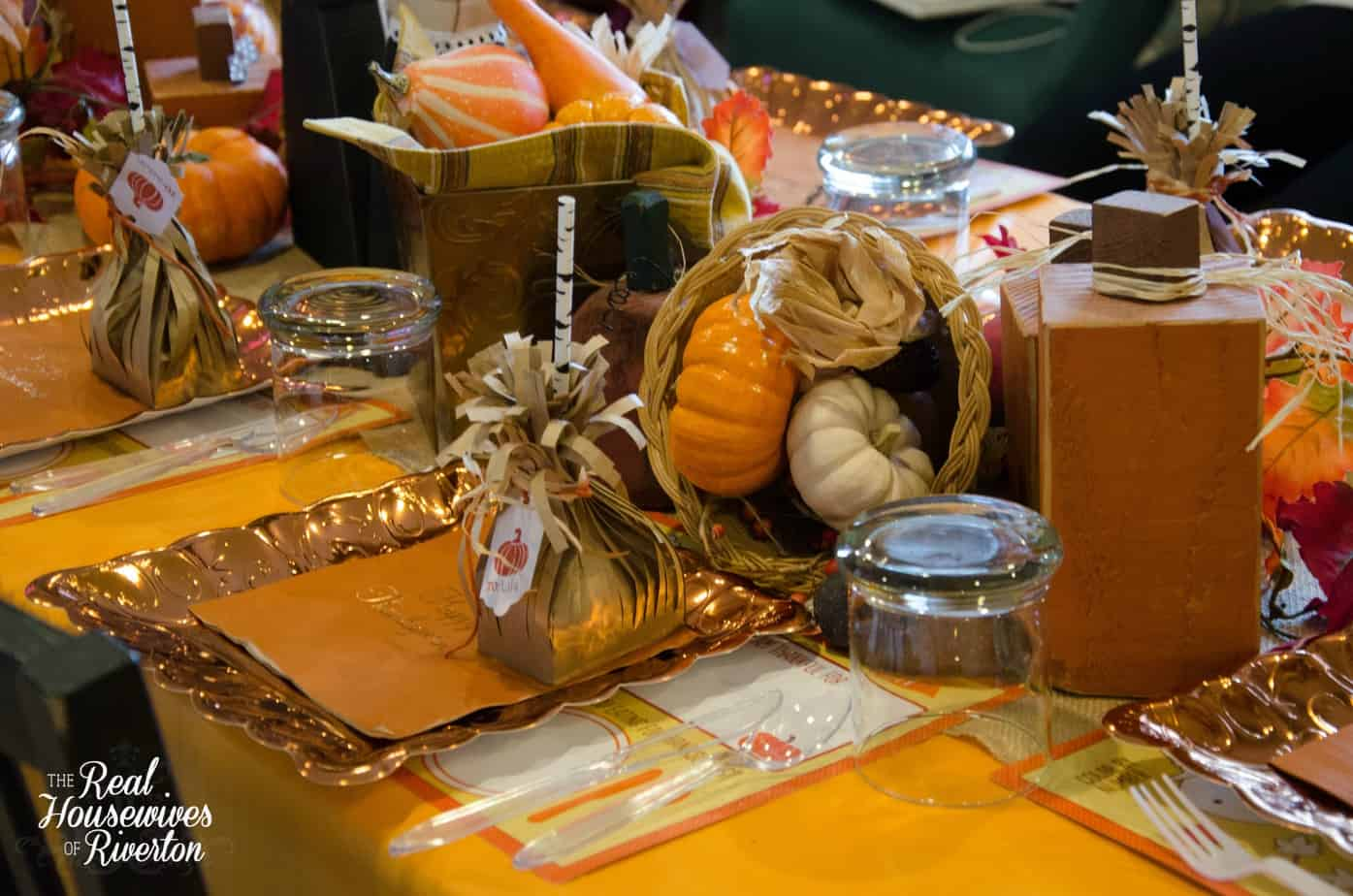 Kid 39 s thanksgiving table decor housewives style housewives of riverton - Thanksgiving decorations ...