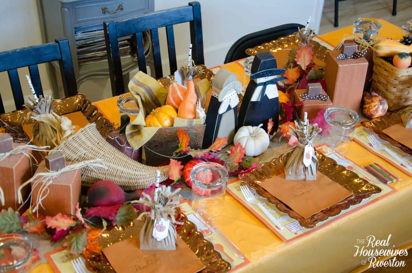Kid S Thanksgiving Table Decor Housewives Style Housewives Of Riverton