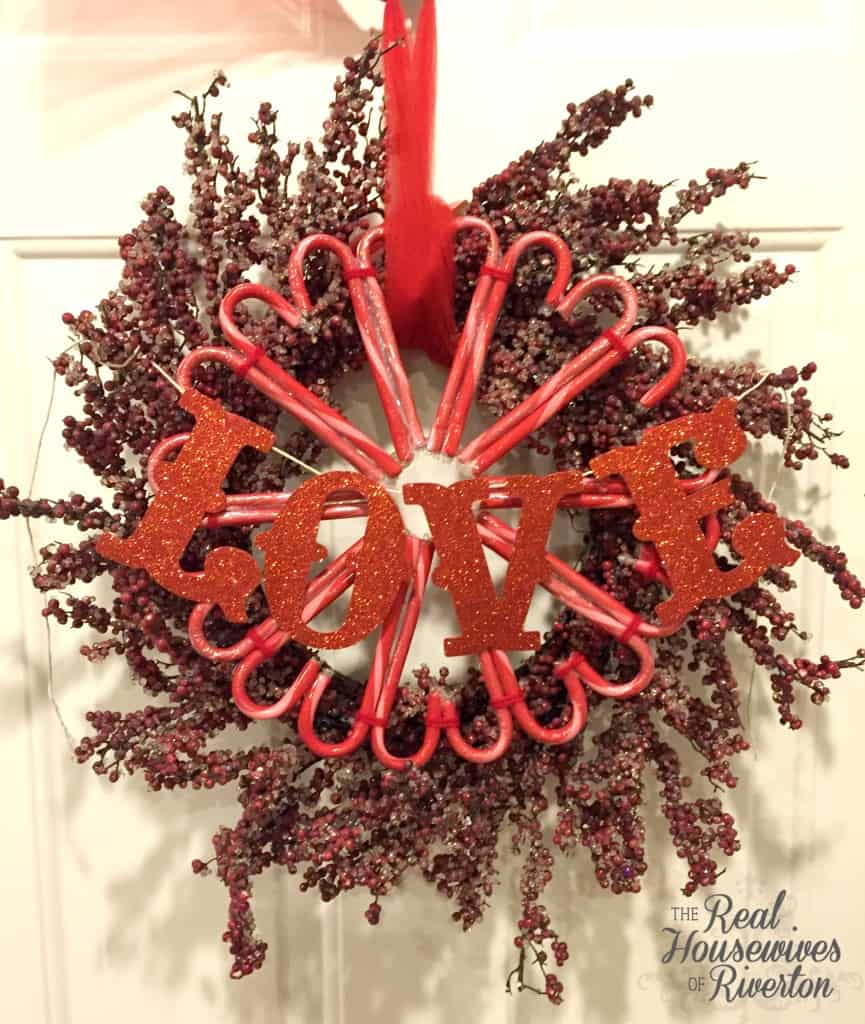 candy cane valentine wreath - housewivesofriverton.com