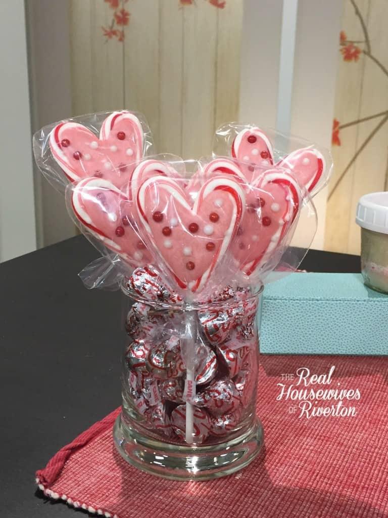 Valentine Candy Cane Heart Sucker - housewivesofriverton.com