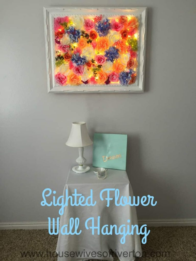 Lighted Flower Wall Hanging | www.housewivesofriverton.com