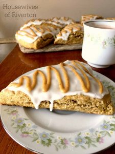 Pumpkin Scones | www.housewivesofriverton.com