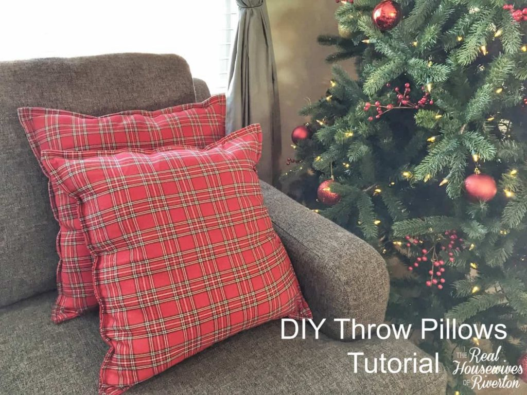 DIY Throw Pillows Tutorial – Using Cloth Napkins!