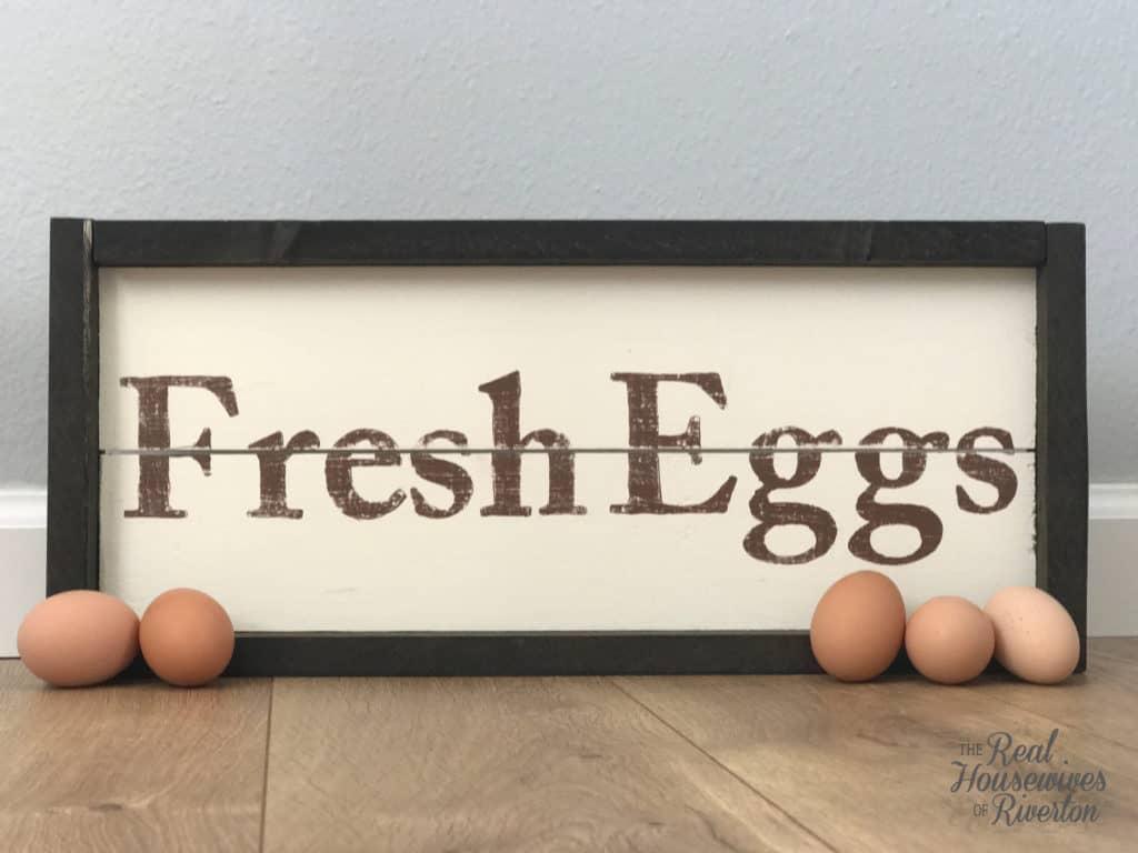 DIY Fresh Eggs Farmhouse Sign Tutorial - HousewivesofRiverton.com