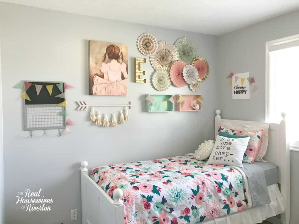 Girl's Small Bedroom Makeover Part 1