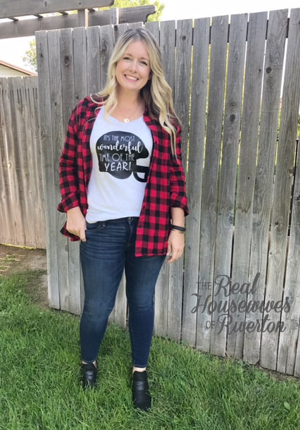 DIY Football Tee - housewivesofriverton.com