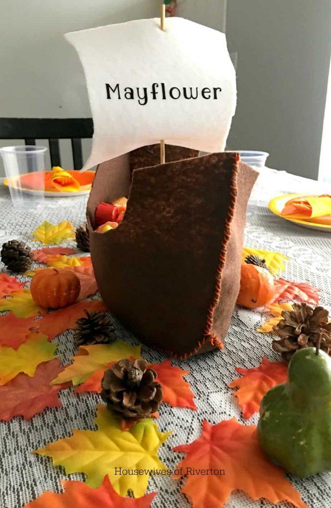 Felt Mayflower Centerpiece cut with Cricut Maker | www.housewivesofriverton.com