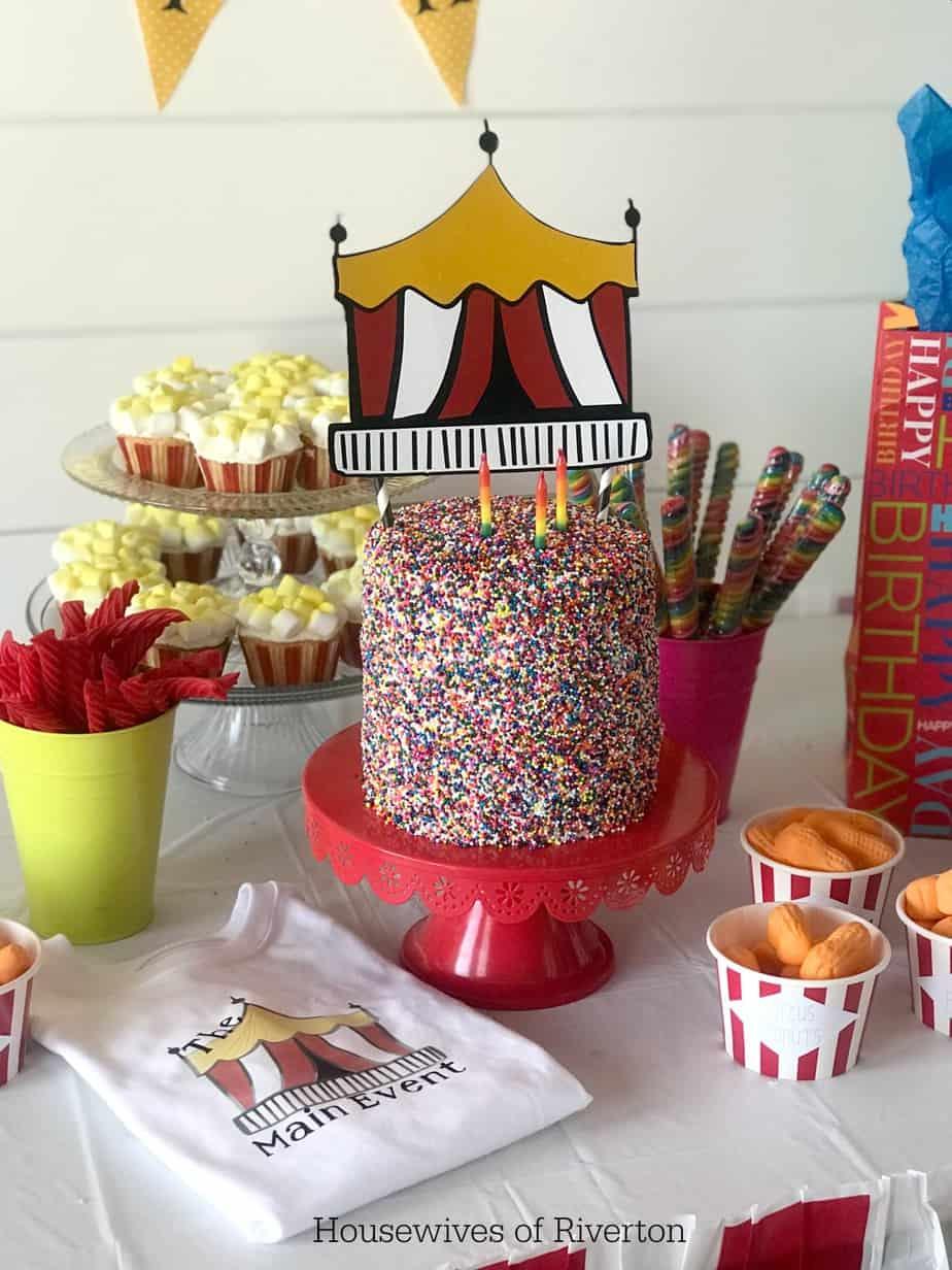 Big Top Birthday Cake Topper | www.housewivesofriverton.com
