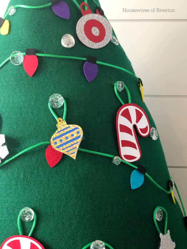 Kids Felt Christmas Tree | www.housewivesofriverton.com