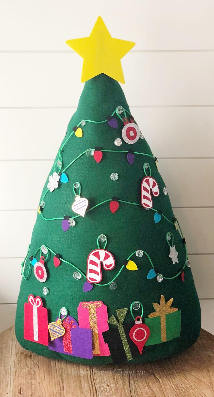kids felt christmas tree with cricut housewives of riverton. Black Bedroom Furniture Sets. Home Design Ideas