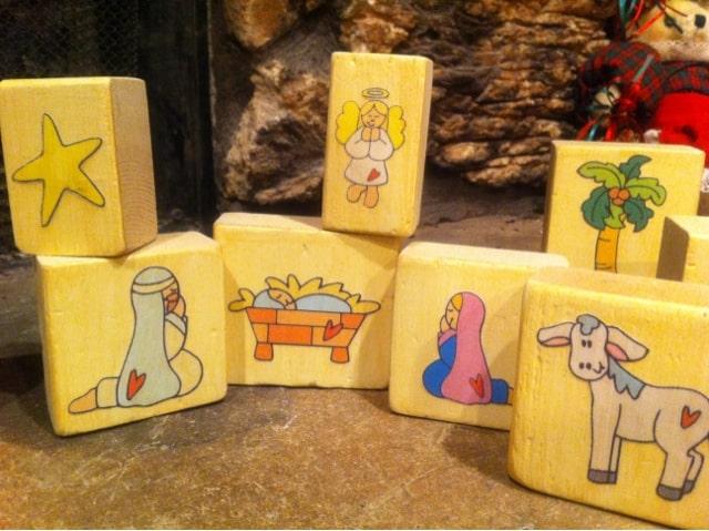 Kids Block Nativity | www.housewivesofriverton.com