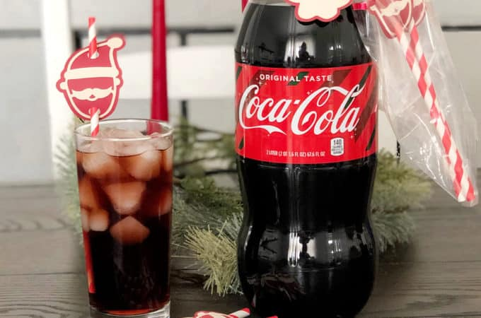 Gift Giving with Coca-Cola | www.housewivesofriverton.com