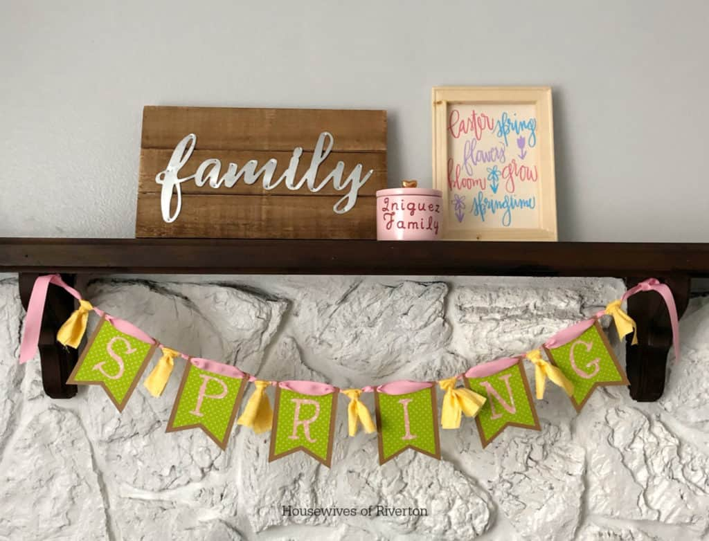 Creating fun Spring Decor with the Cricut EasyPress 2 | www.housewivesofriverton.com