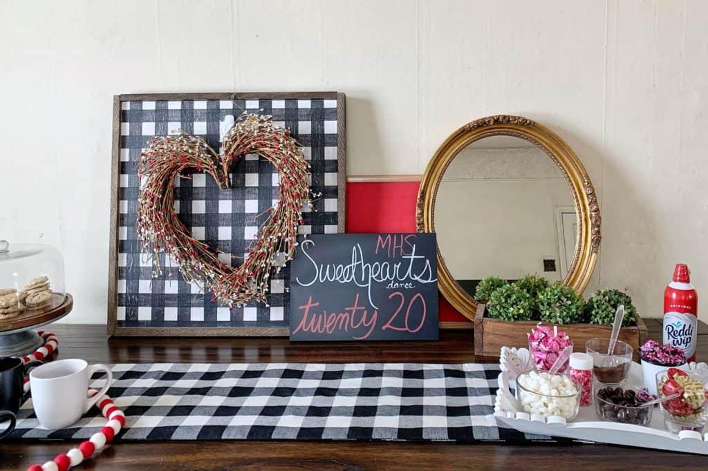 DIY Valentine Hot Cocoa Bar
